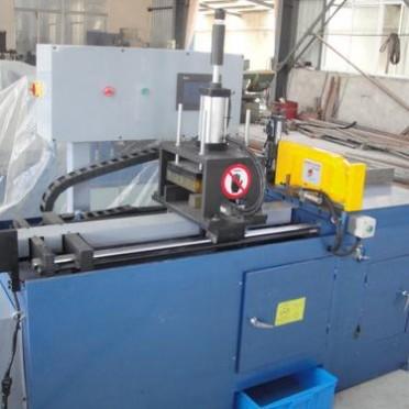 厂家直供自动铝型材切割机